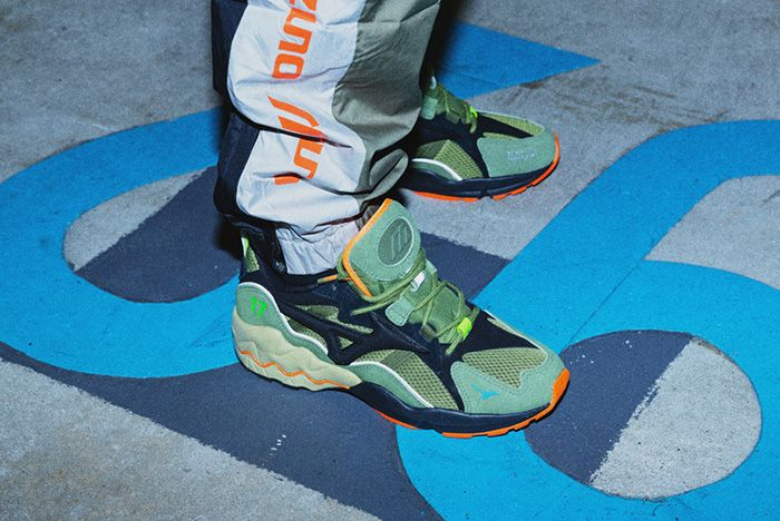 Mita 24Karats Mizuno Wave Runner 1 On Foot