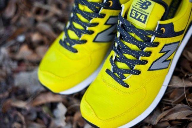 Nb574 Windbreaker Yellow Toe Detail 1