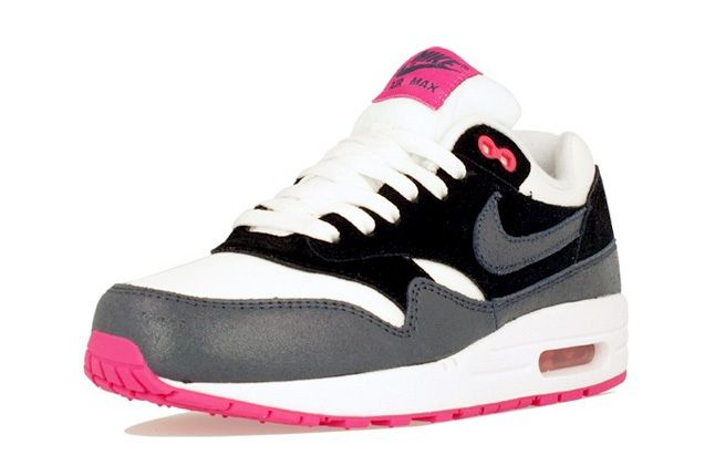 Nike Am1 Wmns Fall Overkill Delivery 9
