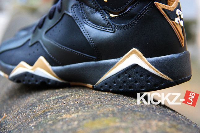 Air Jordan 7 Gold Medal New Pics 04 1