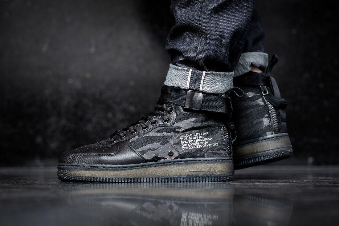 Nike Sf Air Force 1 Mid Black 1