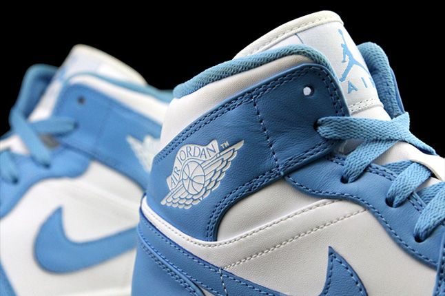 Air Jordan 1 University Blue Logo 1