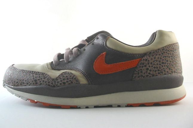 Nike Air Safari Cream 1