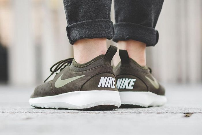 Nike Wmns Juvenate Dark Loden 3