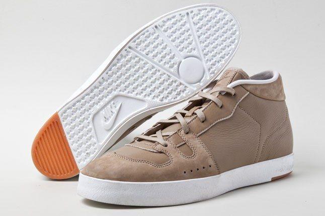 Nike Manor Khaki 3 1