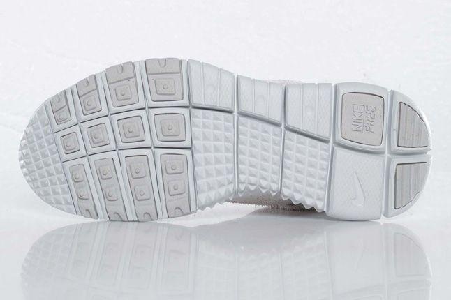 Nike Free Trail Polar Sole 1