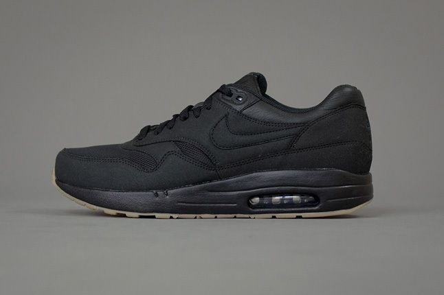 A P C X Nike Spring 2013 Collection Black Profile 1