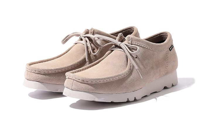 Beams Clarks Wallabee Low Gore Tex Beige Front Angle