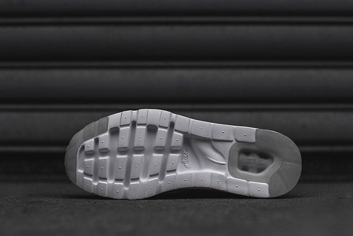 Nike Air Max Zero White 6