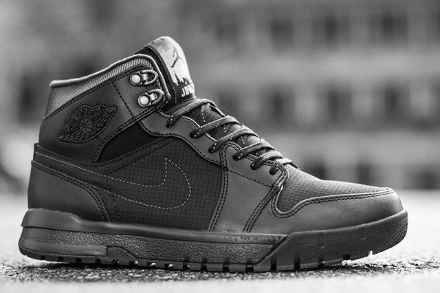 Air Jordan 1 Trek 2013 3