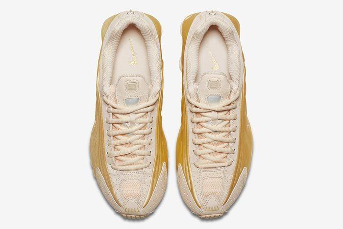 Nike Shox R4 Guava Ice Metallic Gold Top