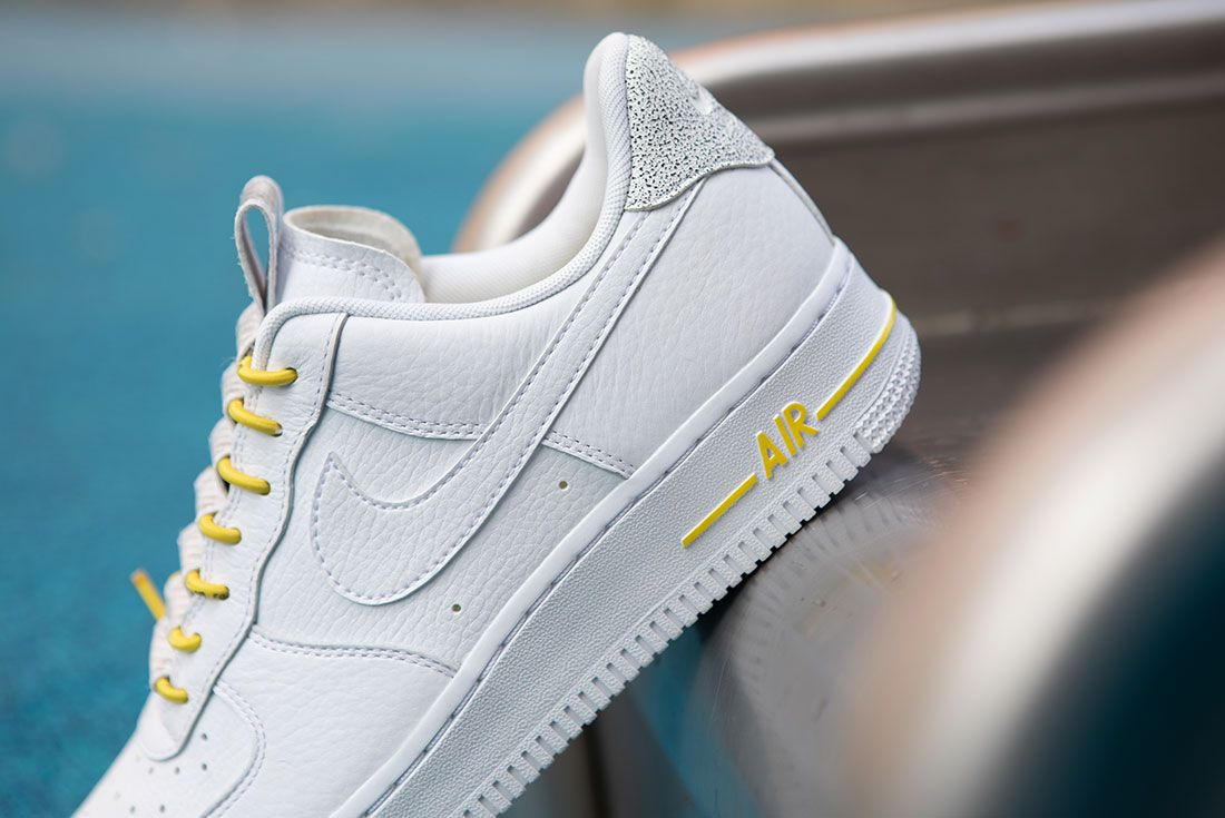 Nike Air Force 1 Womens Refective Black White4 Side
