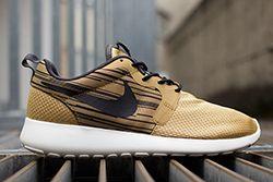 Nike Roshe Run Hyperfuse Gold Black Thumb
