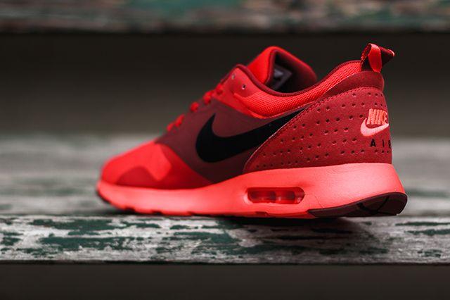 Nike Tava University Red 2