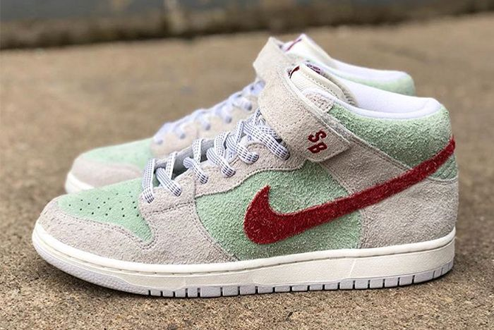 Nike Sb Dunk White Widow 2