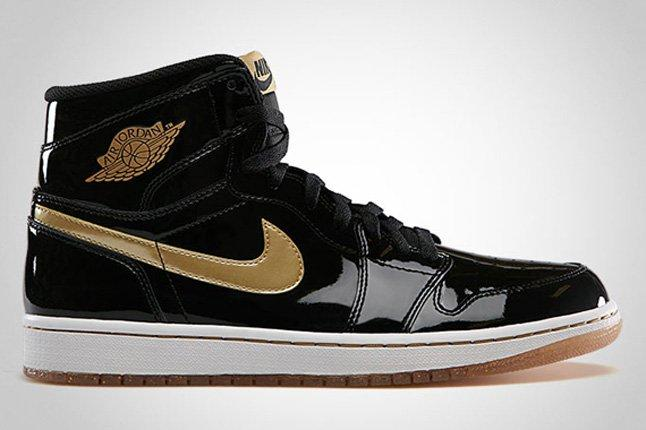 Air Jordan 1 Retro High Og Black Metallic Gold 1