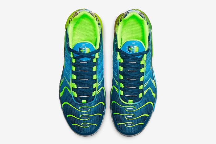 Nike Air Max Plus Gradient Blue Top
