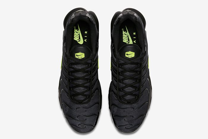 Nike Air Max Plus Night Ops 3