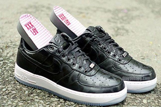 Nike Air Force One 1 Supreme Black Camo Heels Side Pair 1