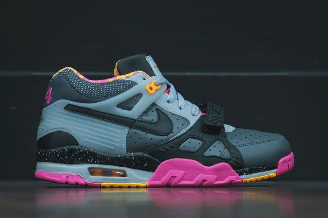 Nike Air Trainer Iii Bo Knows Sideview