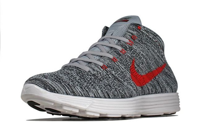 Nike Flyknit Chukka Wlfgry Red Front Quarter 1