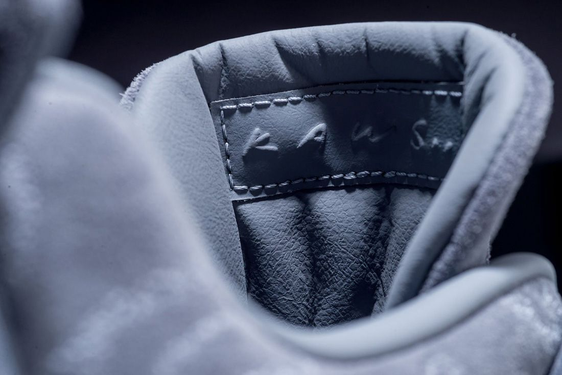 Kaws X Air Jordan 4 26
