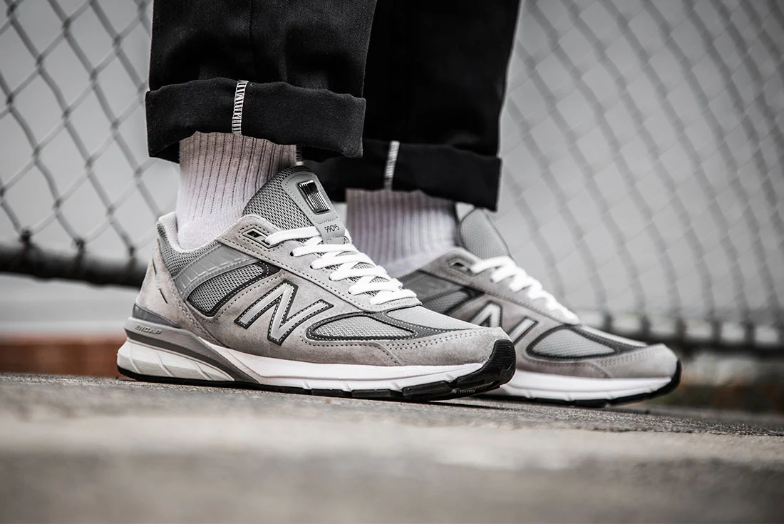new balance 990v5 on foot