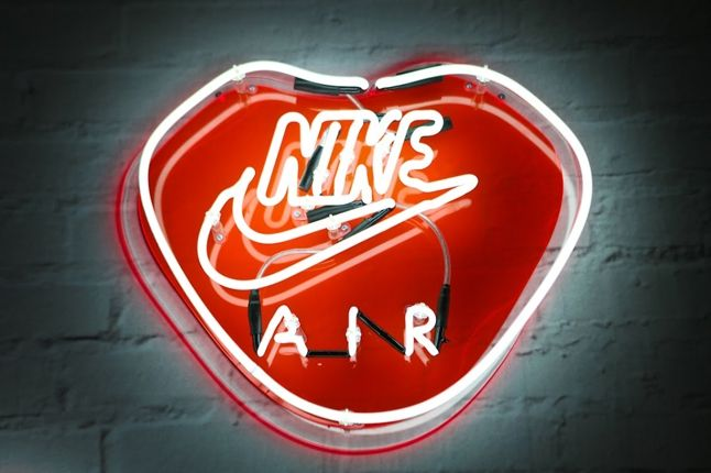 Nike Air Max Anniversary London Neon 1