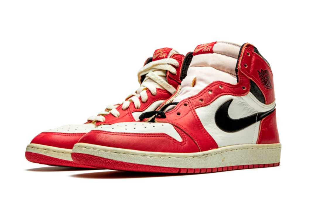 Air Jordan 1 TYPS MJ Signed Player Exclusive Angled