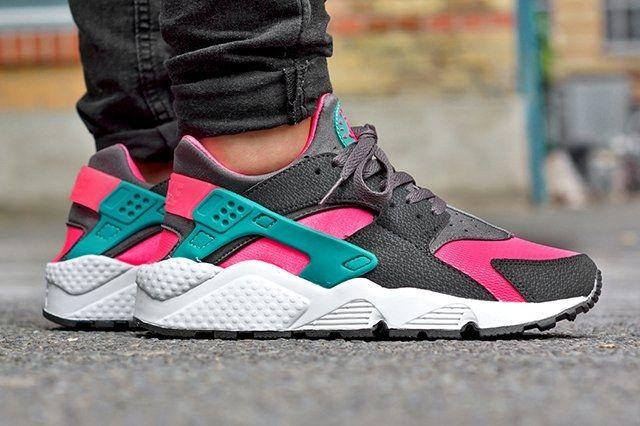 Nike Air Huarache Hyper Pink 21