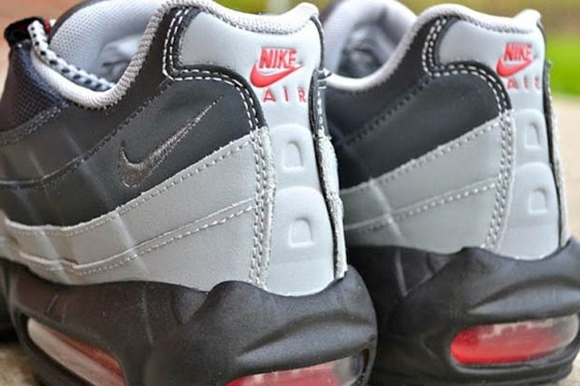 Nike Air Max 95 Anthracite Silver Red 3