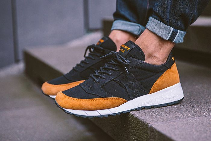 Saucony Jazz 91 Black Yellow On Feet 2