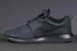 Nike Roshe Run Safari Triple Black Thumb