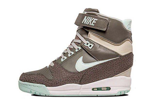 Nike Air Revolution Sky Hi Canyon Grey 4