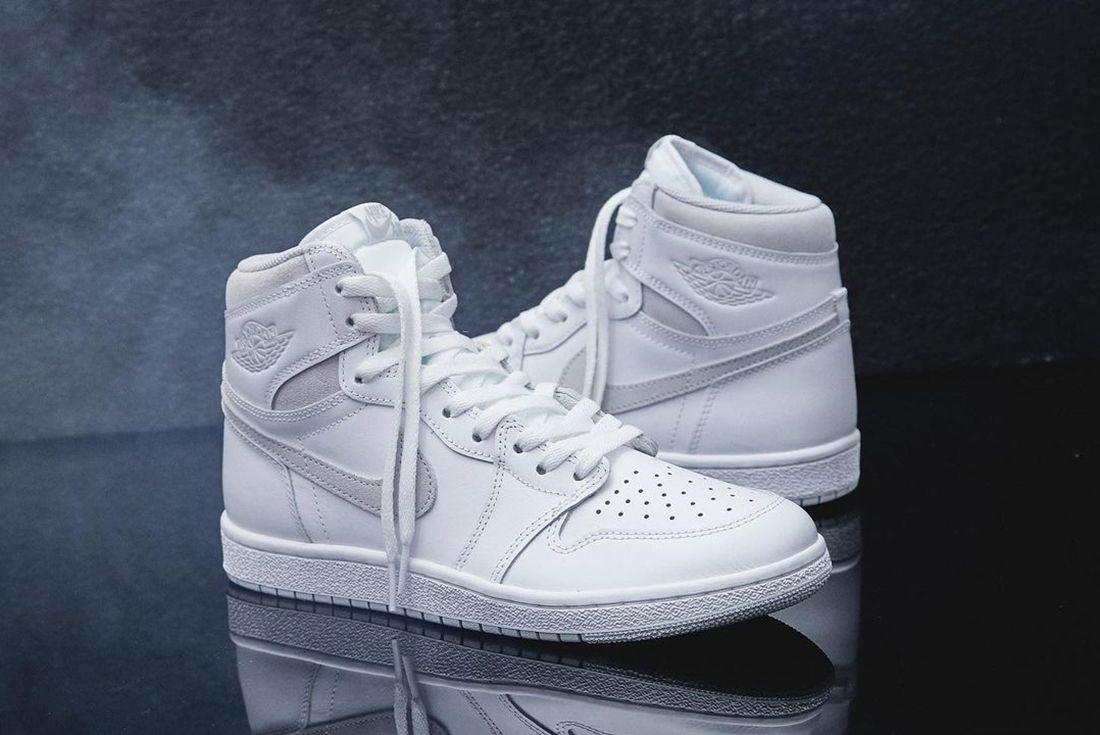 Air Jordan 1 Neutral Grey