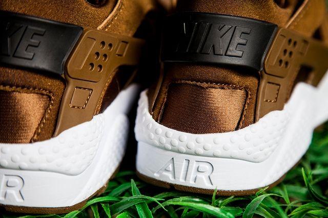 Nike Air Huarache Tonal Suede Pack Bumper 2