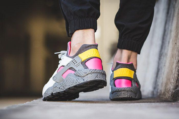Nike Air Huarache Run Se Pure Platinum Pink Blast 2