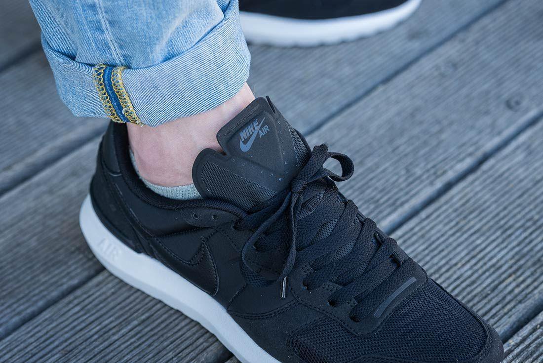 Nike Air Vortex 17 Black 3