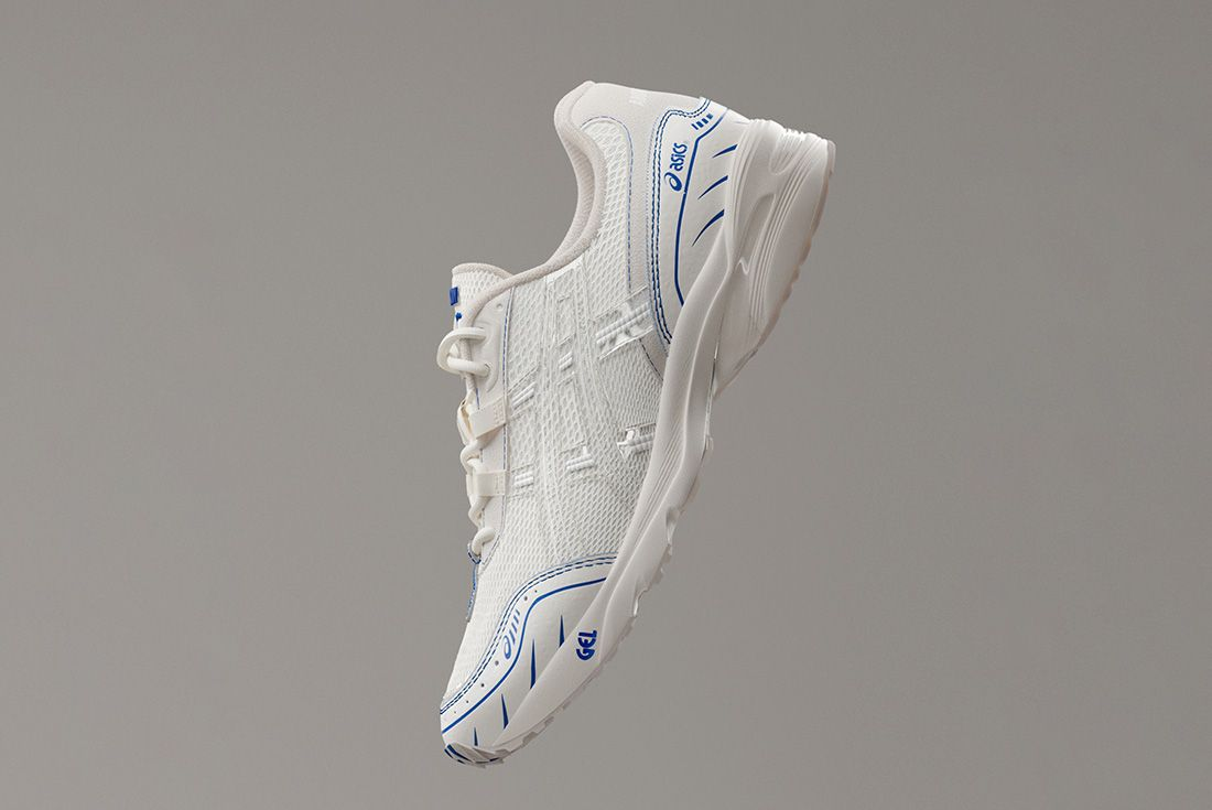 Above The Clouds Asics Gel 1090 Tilted Floating