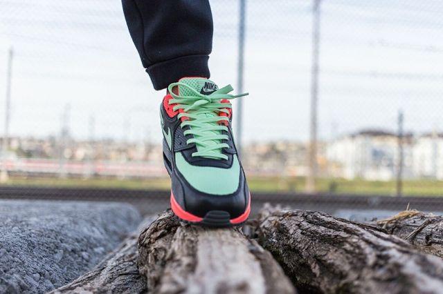 Nike Am90 Vapour Green Bumper 2
