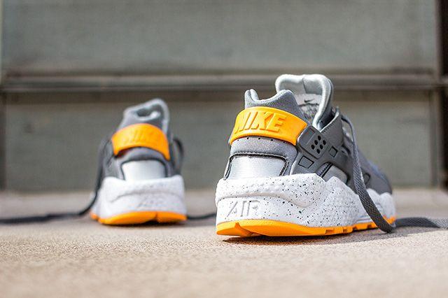 Nike Air Huarache Cool Grey Atomic Mango 1