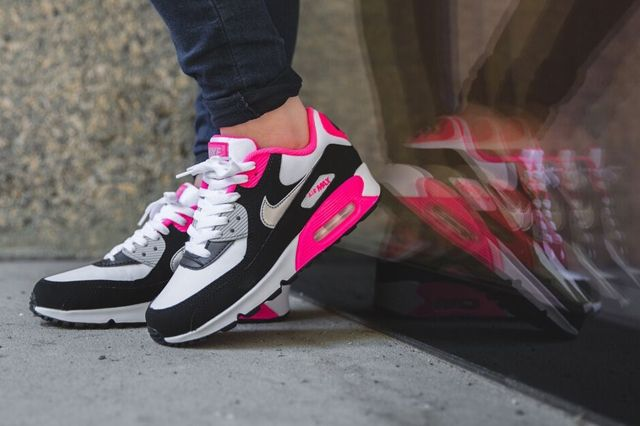 Nike Air Max 90 Metallic Silver Hyper Pink 5