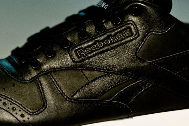 Salong Betong Reebok Classic Leather Side Details 1