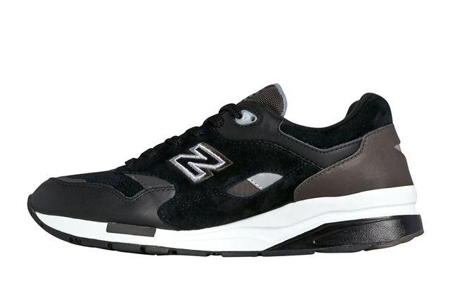 New Balance Sound And Stage 6