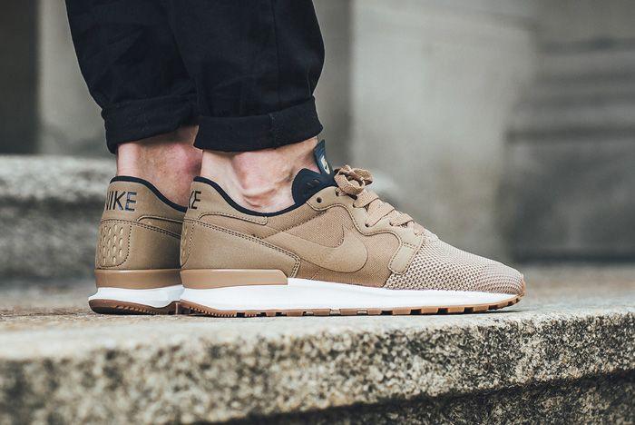 Nike Air Berwuda Premium Rocky Tan2