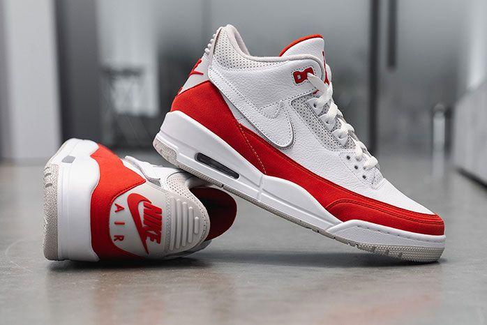 Air Jordan 3 Tinker Nike Air Max 1 Closer Look Right
