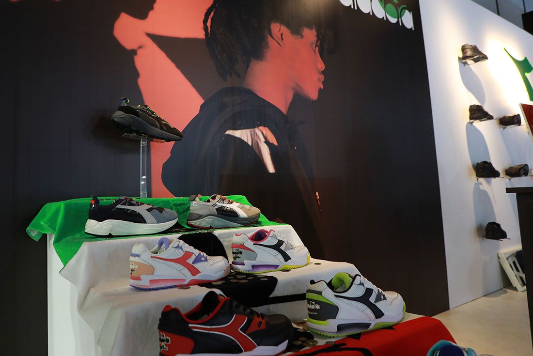 Atmos Con Tokyo 2019 Koji Sneaker Freaker Floor Shot45