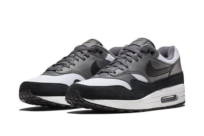 Nike Am1 Black White Sneaker Freaker