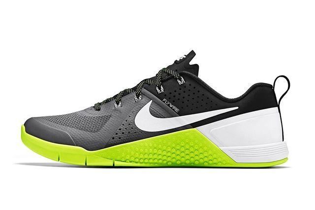 Nike Metcon 1 Dark Grey Volt 4