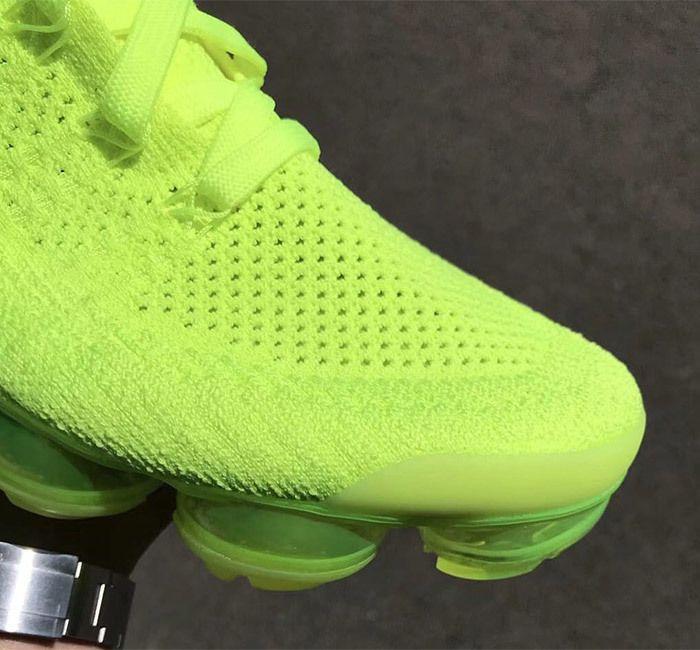Nike Air Vapormax 2 Flyknit Volt 942842 700 6